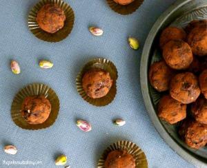 fruit-nut-chocolate-truffles-2-the-pink-rose-bakery