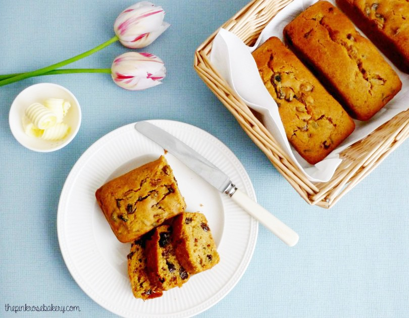 Mini Easter Fruit Loaves - gluten free | the pink rose bakery