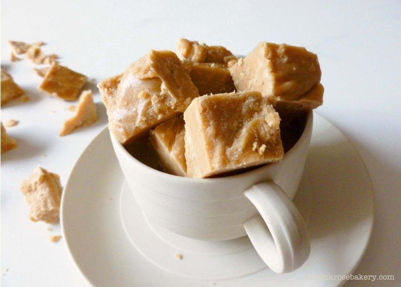 pumpkin spice latte fudge-let 1 - the pink rose bakery