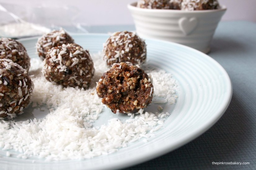 Seed & Nut Balls - no bake, no grain, gluten and dairy free, fill you up snacks | The Pink Rose Bakery