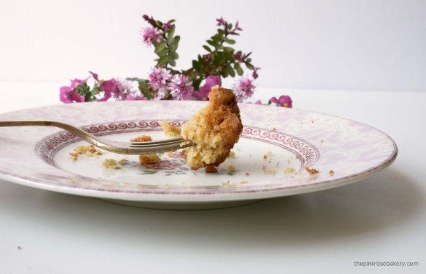 Maple Macadamia Blondies | The Pink Rose Bakery