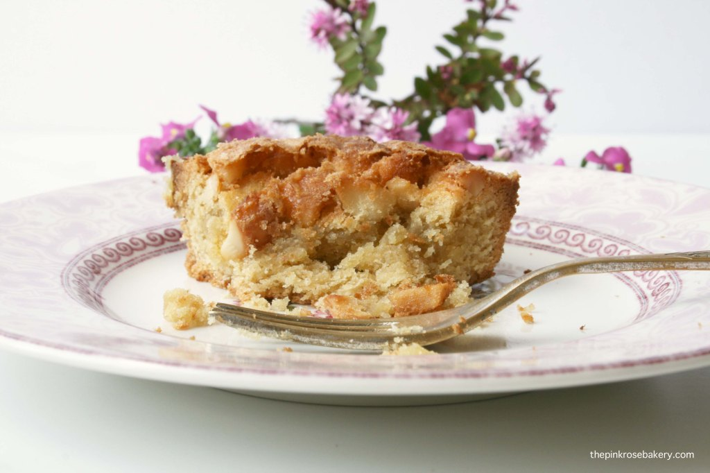Maple Macadamia Blondies {gluten-free} | The Pink Rose Bakery