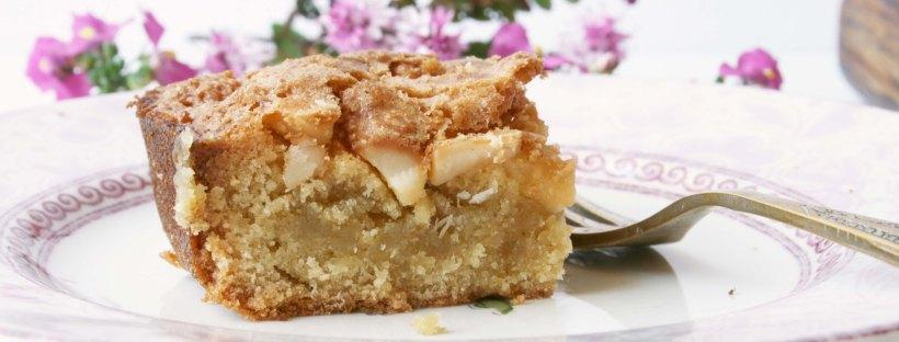 Maple Macadamia Blondies {gluten-free} | The Pink Rose Bakery