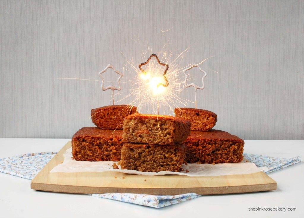 Parkin, a spiced cake eaten on Guy Fawkes Night/Bonfire Night {gluten free} | The Pink Rose Bakery